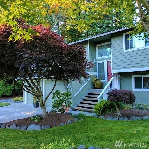 1220 NW 199th Place, Shoreline, WA 98177 (#1149562) :: Ben Kinney Real Estate Team