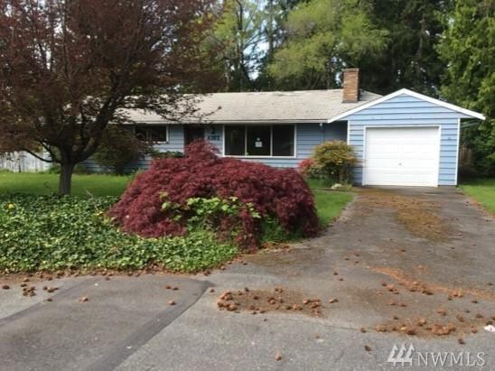 6303 177th Place SW, Lynnwood, WA 98037 (#1152060) :: Ben Kinney Real Estate Team