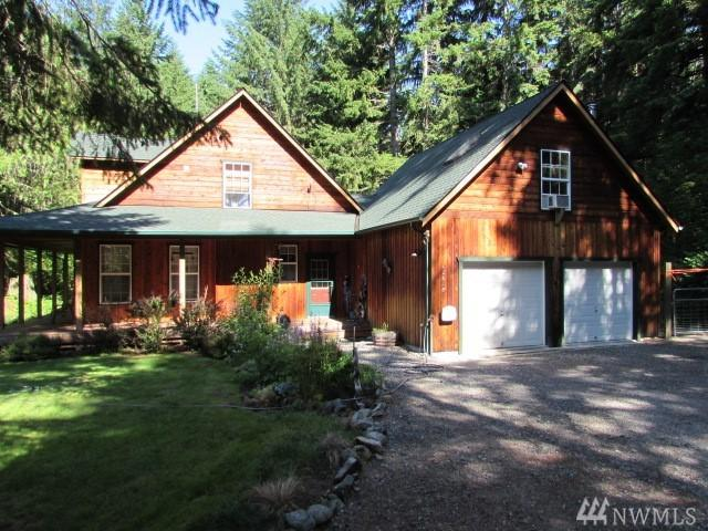 62618 Elk Trail Wy E, Greenwater, WA 98022 (#1153058) :: Homes on the Sound