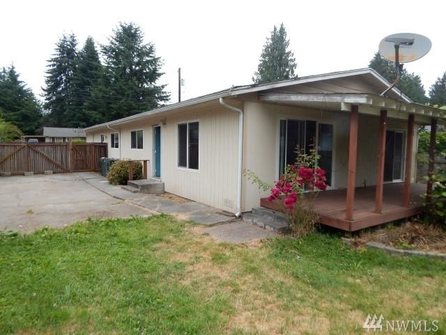 21603 54th Ave W, Mountlake Terrace, WA 98043 (#1161059) :: The Snow Group at Keller Williams Downtown Seattle