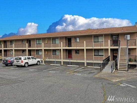 20131 61st Place W D103, Lynnwood, WA 98036 (#1163628) :: Keller Williams Realty Greater Seattle