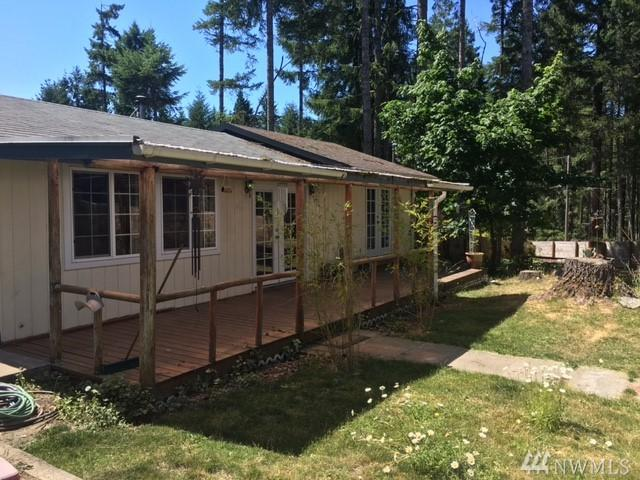 50 E Carefree Ct, Grapeview, WA 98546 (#1165345) :: Ben Kinney Real Estate Team