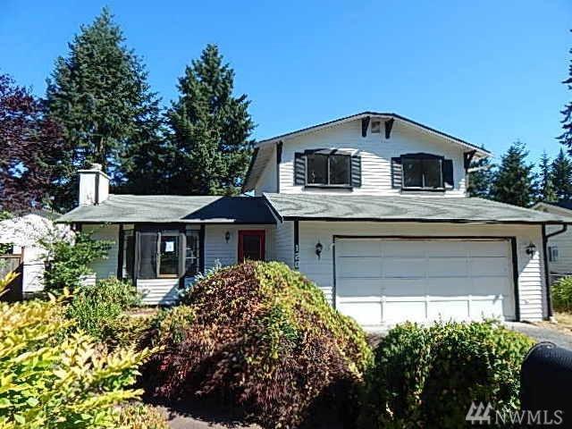 1209 160th St Ct E, Tacoma, WA 98445 (#1175510) :: Ben Kinney Real Estate Team