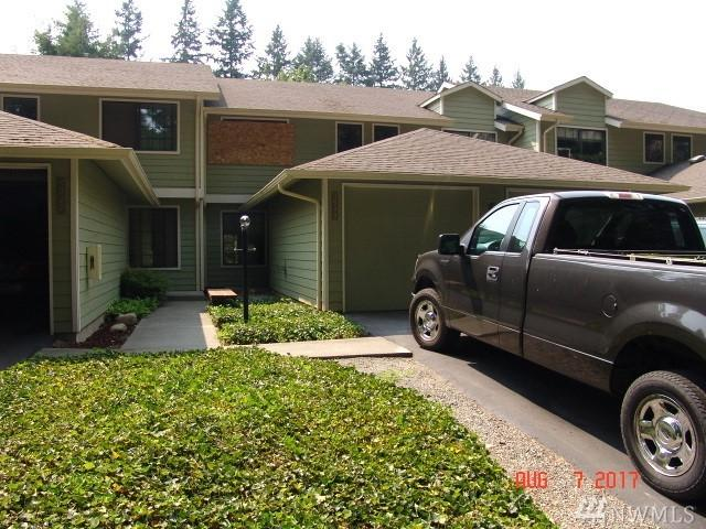 3949 NW Fairway Lane, Bremerton, WA 98312 (#1178500) :: Homes on the Sound