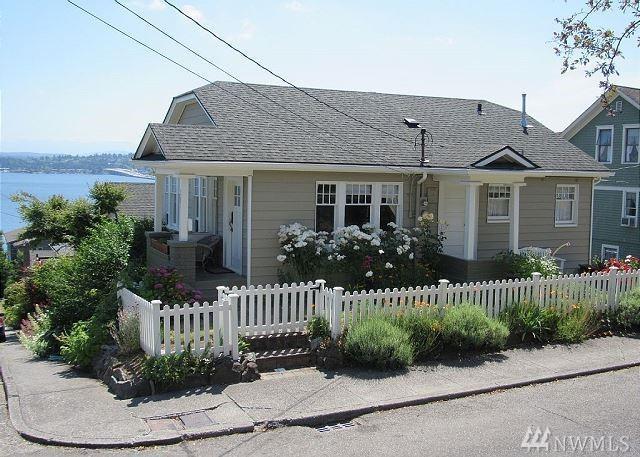 3201-3203 S Charles St, Seattle, WA 98144 (#1178944) :: Alchemy Real Estate
