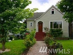 823 NE 57th St, Seattle, WA 98105 (#1182415) :: The DiBello Real Estate Group