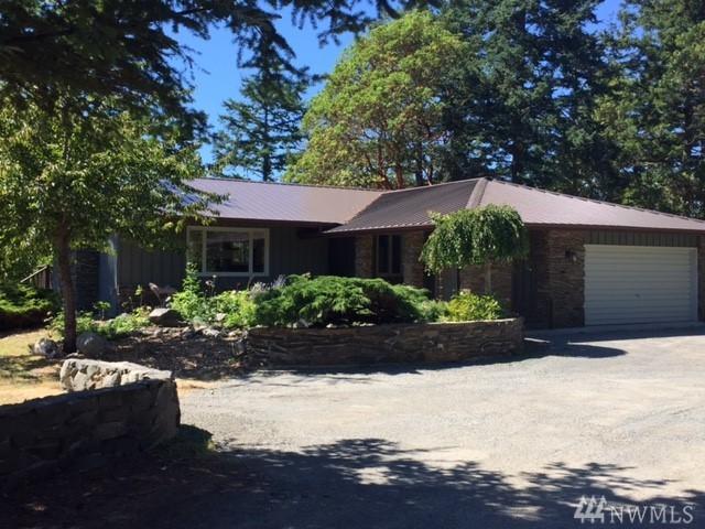 3216 Cattle Point Rd, San Juan Island, WA 98250 (#1183326) :: Ben Kinney Real Estate Team