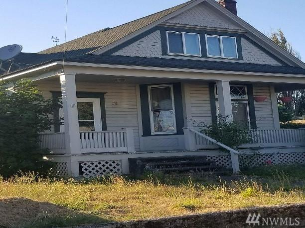 201 NW 3rd Ave, Kelso, WA 98626 (#1187691) :: Ben Kinney Real Estate Team