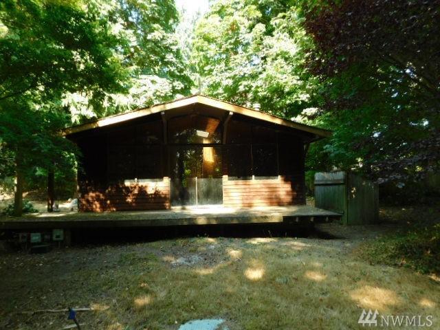 1451 Ridge Dr, Camano Island, WA 98282 (#1189370) :: Homes on the Sound