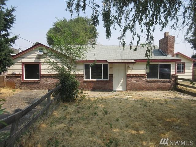 1611 S 9th Ave, Yakima, WA 98902 (#1192338) :: Ben Kinney Real Estate Team