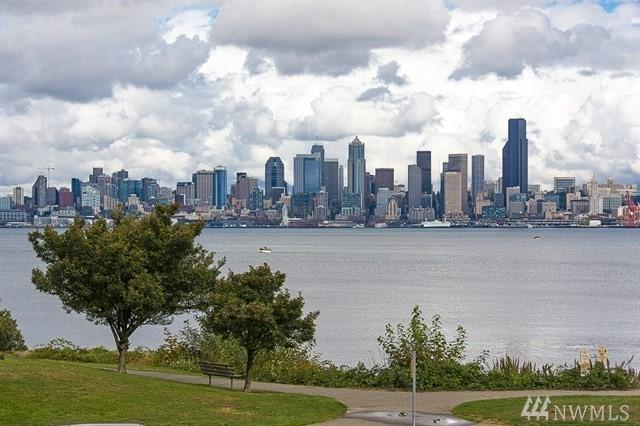 1737 Harbor Ave SW S-105, Seattle, WA 98126 (#1196357) :: Beach & Blvd Real Estate Group