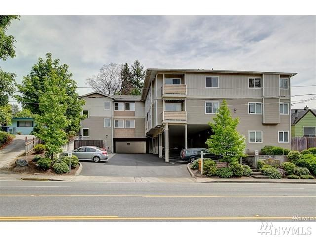 11424 1st Ave S #301, Seattle, WA 98168 (#1196740) :: Ben Kinney Real Estate Team