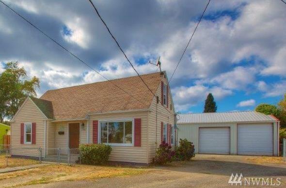 13701 10th Ave SW, Burien, WA 98166 (#1202076) :: Ben Kinney Real Estate Team