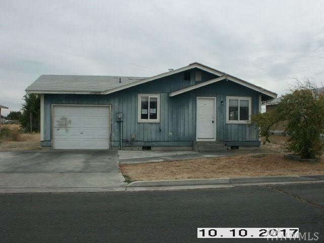 308 6th Ave SE, Ephrata, WA 98823 (#1205651) :: Ben Kinney Real Estate Team