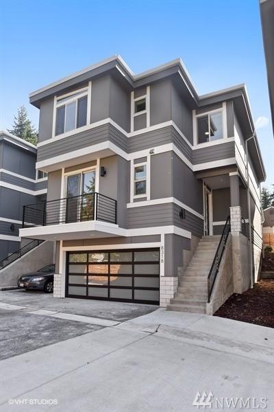 8318 120th Ave NE, Kirkland, WA 98033 (#1206580) :: Keller Williams Realty Greater Seattle