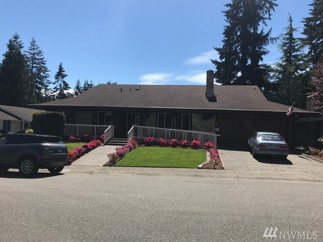 4041 SW 321st St, Federal Way, WA 98023 (#1207869) :: The Kendra Todd Group at Keller Williams