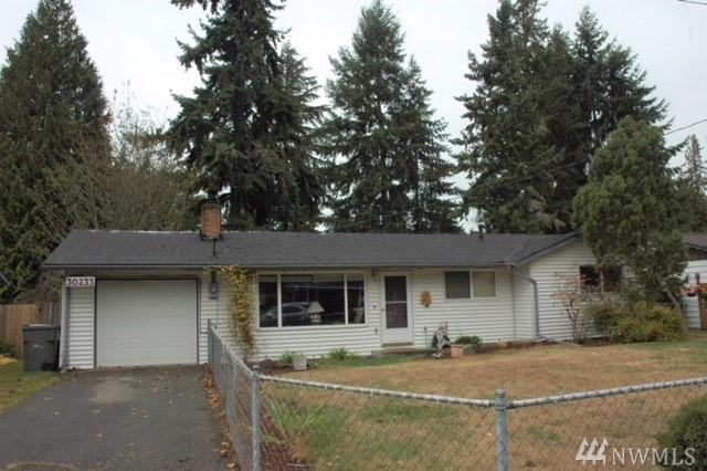 30233 4th Place SW, Federal Way, WA 98023 (#1208770) :: Ben Kinney Real Estate Team