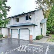 1131 115th St SW J4, Everett, WA 98204 (#1209389) :: Ben Kinney Real Estate Team