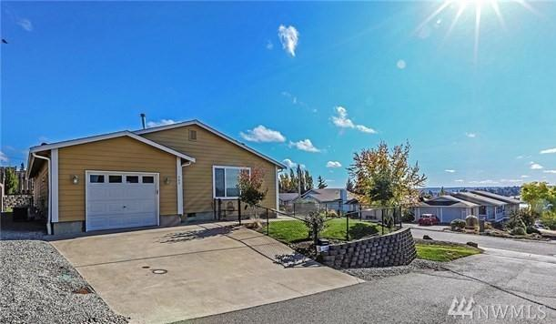 302 E 30th St, Bremerton, WA 98310 (#1209751) :: Priority One Realty Inc.