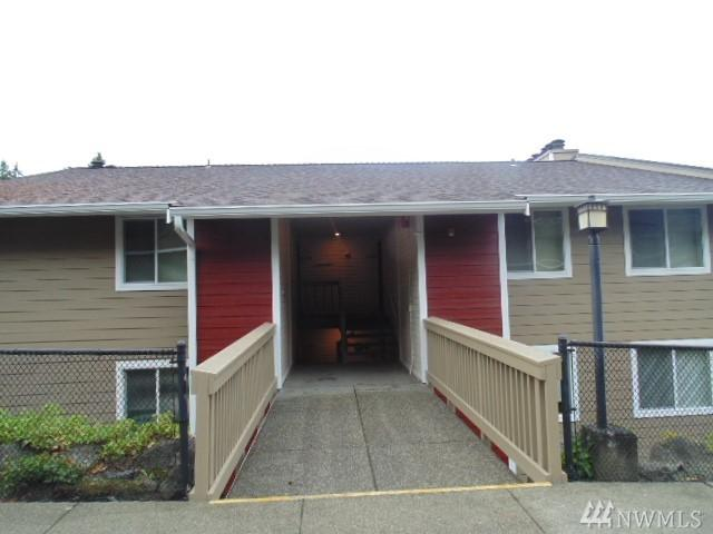 20145 Viking Crest Lp, Poulsbo, WA 98370 (#1209905) :: Priority One Realty Inc.