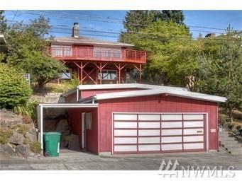 8548 2nd Ave NE, Seattle, WA 98115 (#1209921) :: Alchemy Real Estate