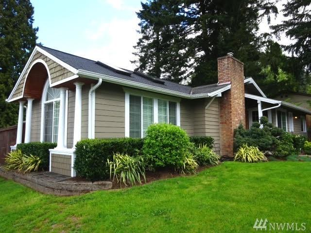 13004 NE 95th St, Kirkland, WA 98033 (#1211334) :: Keller Williams - Shook Home Group