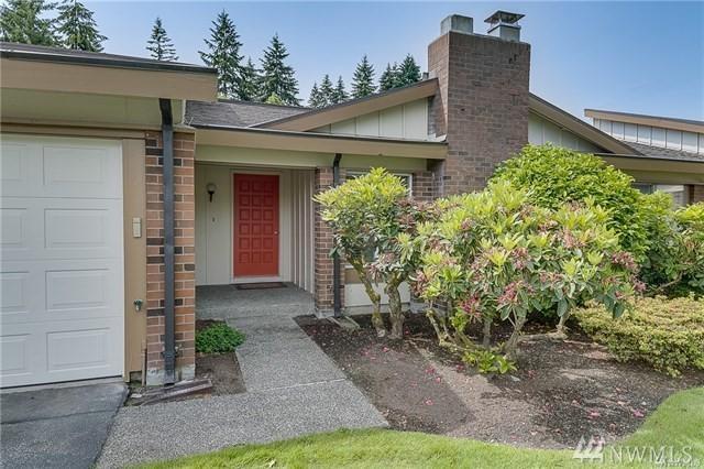 15942 NE 15th St, Bellevue, WA 98008 (#1218600) :: Keller Williams Everett