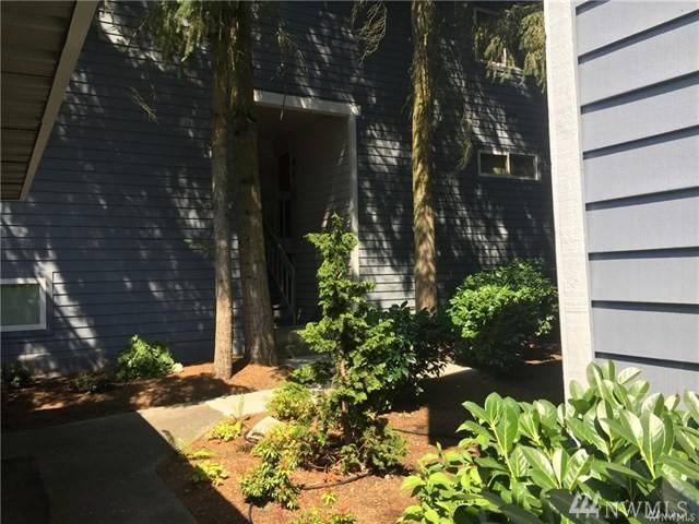 3025 127th Place SE L21, Bellevue, WA 98005 (#1219669) :: Keller Williams - Shook Home Group