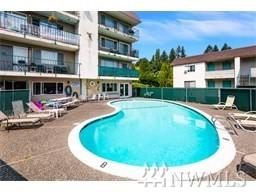 9515 NE 180th St C-204, Bothell, WA 98011 (#1220564) :: The Deol Group