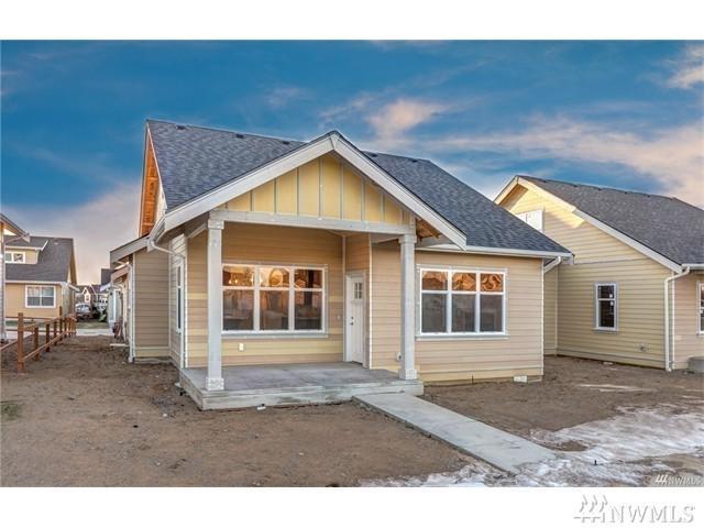 9 North Prairie Lane, Lynden, WA 98264 (#1221471) :: Ben Kinney Real Estate Team