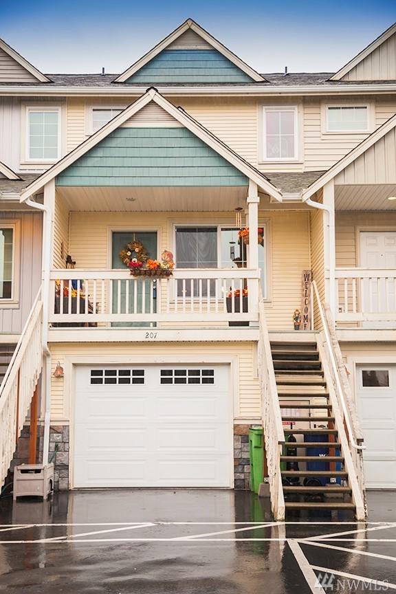 1814 I St NE #207, Auburn, WA 98002 (#1224224) :: Keller Williams - Shook Home Group