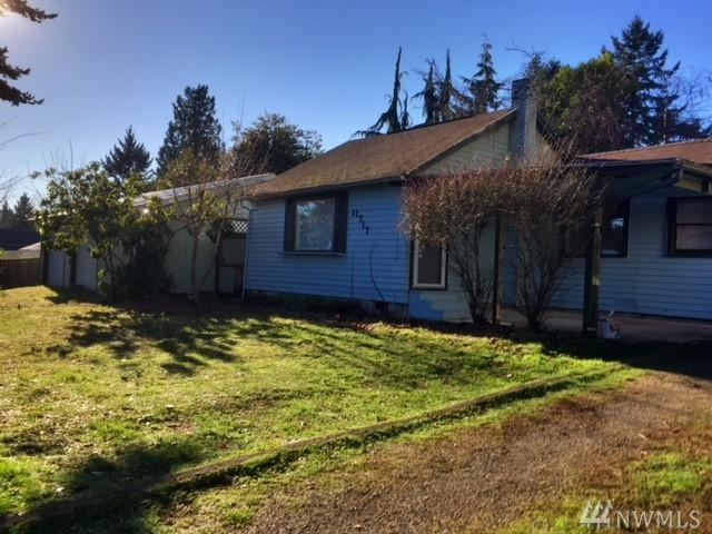 11717 12th Ave SW, Burien, WA 98146 (#1224234) :: Keller Williams - Shook Home Group