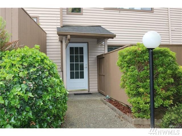 11347 SE 211th Lane #76, Kent, WA 98031 (#1224813) :: Keller Williams - Shook Home Group
