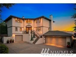2555 Magnolia Blvd W, Seattle, WA 98199 (#1225072) :: Ben Kinney Real Estate Team