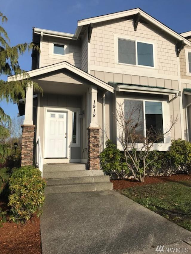 1918 S 240th St S, Des Moines, WA 98198 (#1225176) :: Keller Williams Realty Greater Seattle
