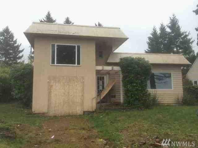 15402 22nd Ave SW, Burien, WA 98166 (#1225314) :: Keller Williams Realty Greater Seattle