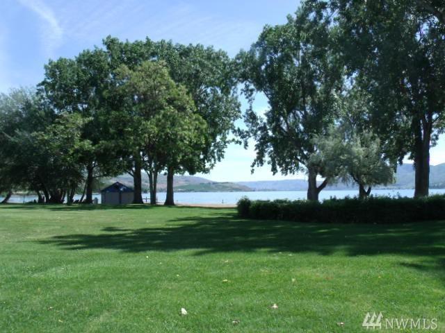 1 Beach 539-J, Manson, WA 98831 (#1231573) :: Nick McLean Real Estate Group