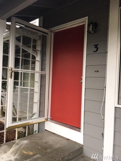 685 SE Ireland St #3, Oak Harbor, WA 98277 (#1233154) :: Ben Kinney Real Estate Team