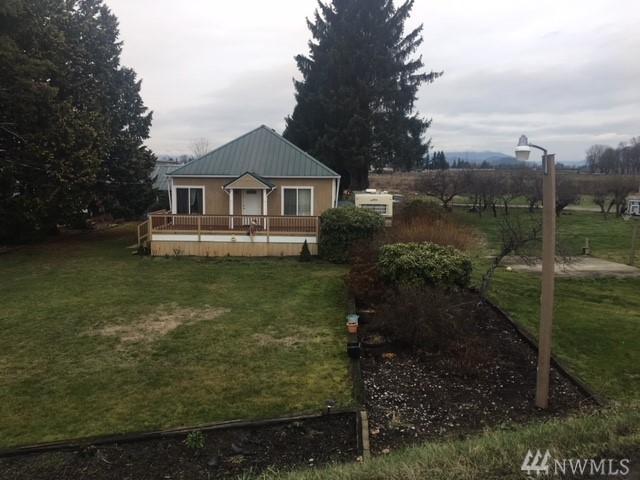 735 E Whitmarsh Rd, Burlington, WA 98233 (#1234589) :: Ben Kinney Real Estate Team