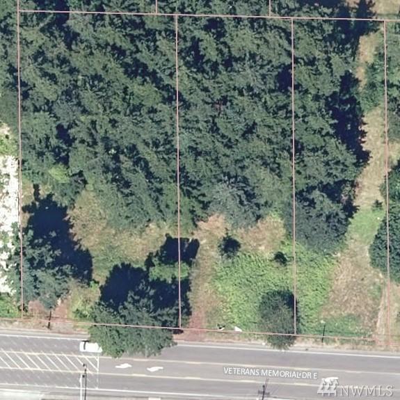 18426 Veterans Memorial Hwy, Bonney Lake, WA 98391 (#1236571) :: Keller Williams Realty