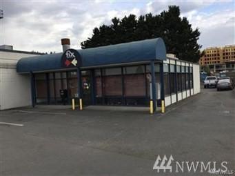 6734 NE Bothell Way, Kenmore, WA 98028 (#1237108) :: Carroll & Lions