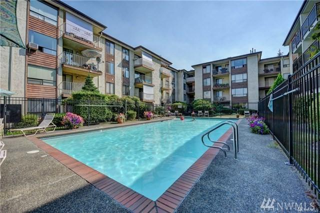 10501 8th Ave NE #112, Seattle, WA 98125 (#1240400) :: Brandon Nelson Partners