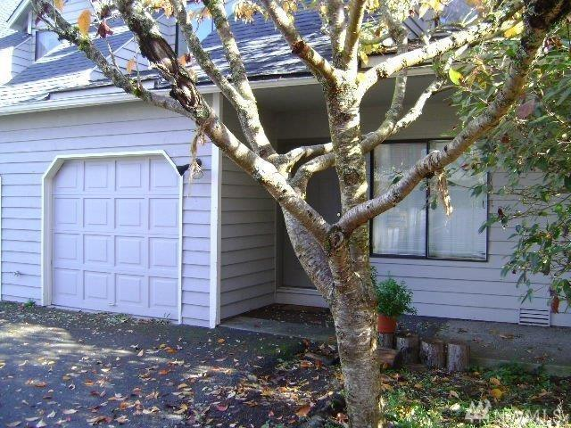 19911 68th Ave W, Lynnwood, WA 98036 (#1241710) :: Homes on the Sound