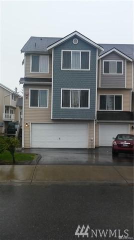 219 SW 110th St #3, Seattle, WA 98168 (#1242814) :: The DiBello Real Estate Group