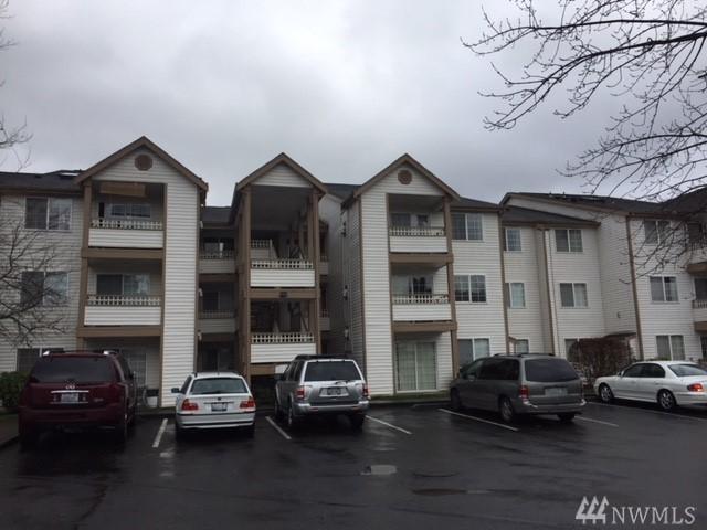 10824 SE 170th St B202, Renton, WA 98055 (#1243493) :: The DiBello Real Estate Group