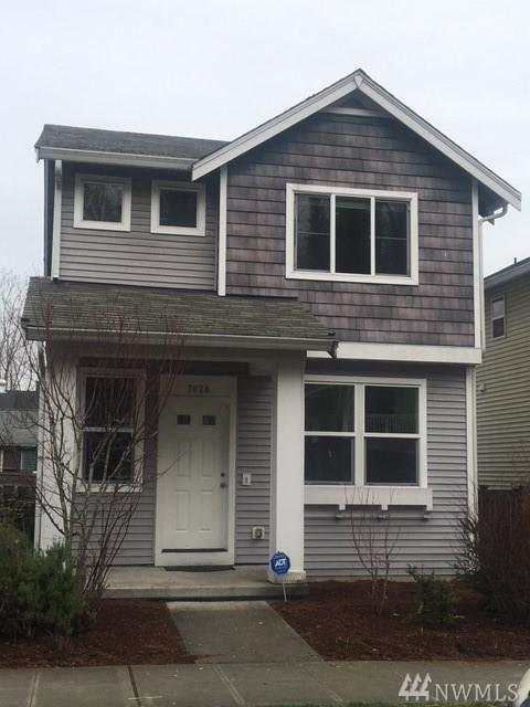 7628 39th Ave S, Seattle, WA 98118 (#1244091) :: Homes on the Sound