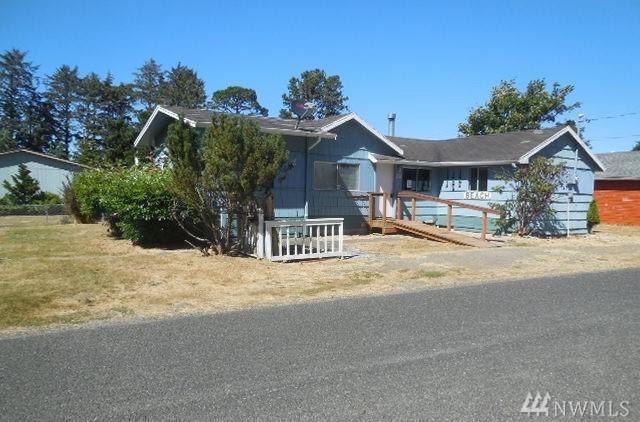 716 Sherman, Westport, WA 98595 (#1244169) :: Homes on the Sound