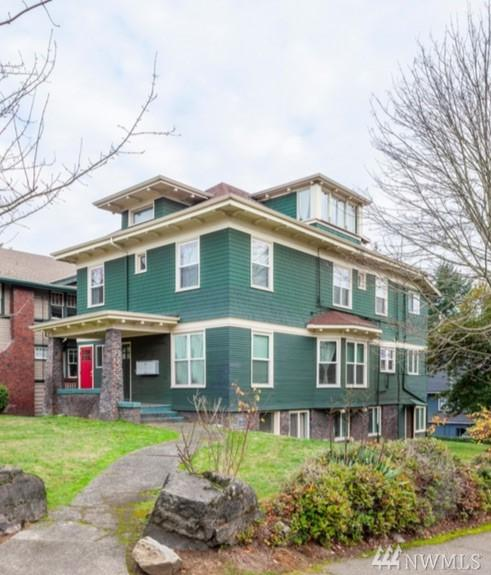 5204 18th Ave NE, Seattle, WA 98105 (#1246943) :: The Vija Group - Keller Williams Realty