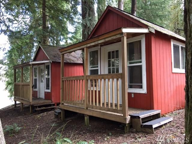 32 Cliffline Ct, Brinnon, WA 98320 (#1247108) :: Homes on the Sound