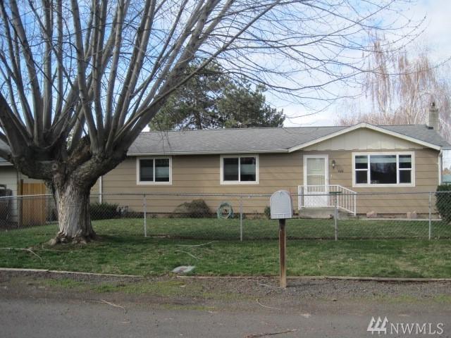 446 Holly St, Walla Walla, WA 99362 (#1248353) :: Keller Williams - Shook Home Group